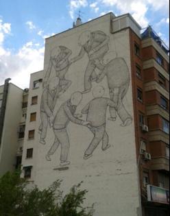 Grafiti en fachada de edificio