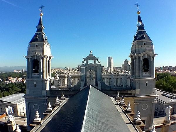portada audioguía Museo de la Catedral de la Almudena en Español - AudioViator